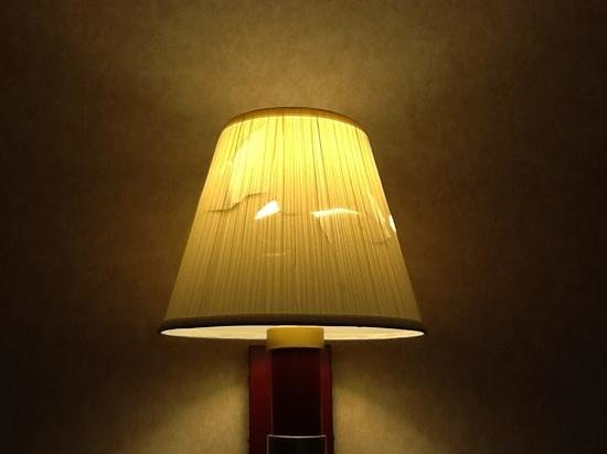 Super 8 Columbus West: the lamp shade