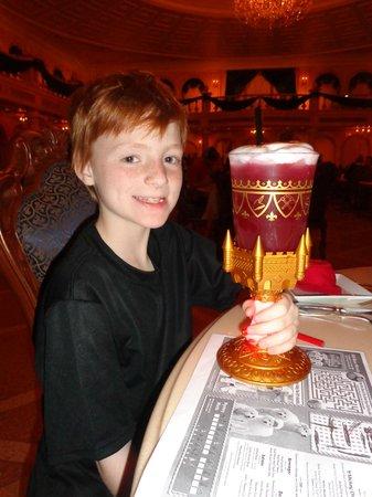 Vitrail 224 L Entr 233 E Photo De Be Our Guest Restaurant