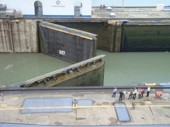 Kats Tours: Canal gates open