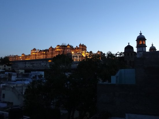Hotel Janak Niwas: Amazing rooftop palace views