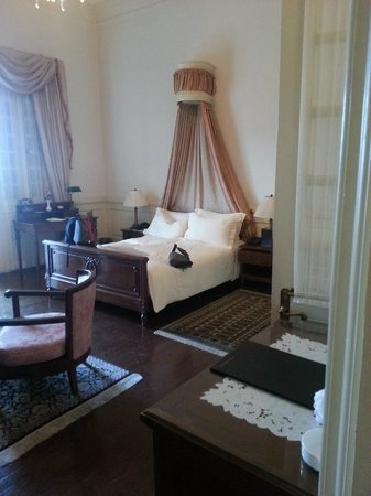 Dalat Palace Heritage Hotel: French Colonial style bedroom
