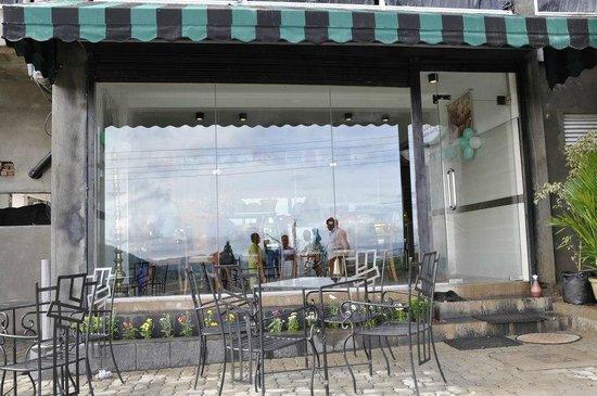 Olympus Plaza Hotel: Pastry & Bakery shop