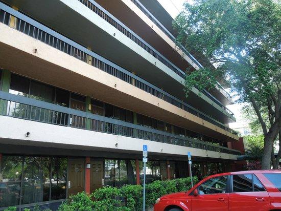 Orlando Metropolitan Resort: Vista del frente