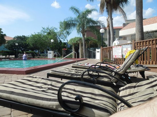 Orlando Metropolitan Resort: Piscina