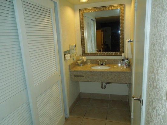 Orlando Metropolitan Resort: Antebaño