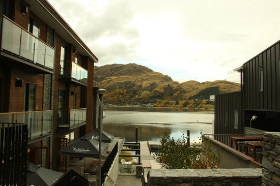 Hilton Queenstown Resort & Spa: View from top of Wakatipu Steps