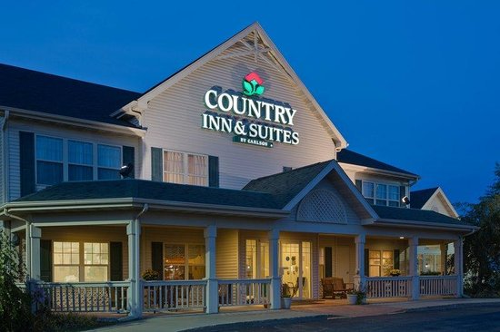 Country Inn & Suites Stockton: CountryInn&Suites Stockton ExteriorNight