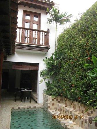 Hotel Santo Toribio: Pool area