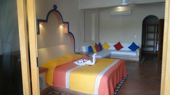 Villa del Pescador: Habitacion con una cama king size