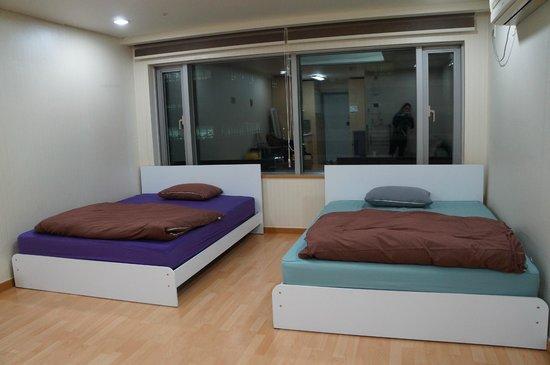 Hongdae JK House : 寬敞的房間