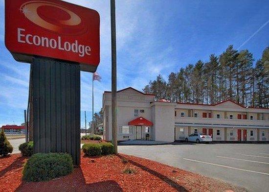 Econo lodge west springfield ma motel reviews tripadvisor for Olive garden west springfield ma