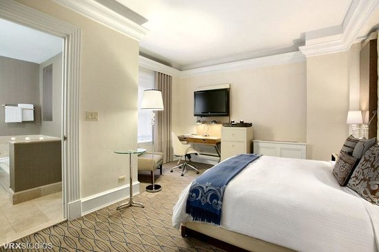 Carlton Hotel, Autograph Collection: Deluxe King Room