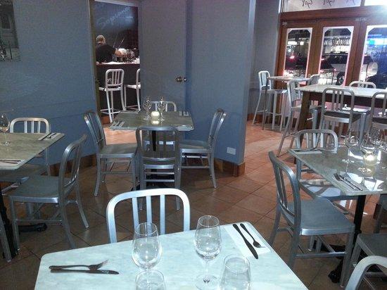 Sopranos Pizza Mosman: Bar, Bench or Table, you choose!