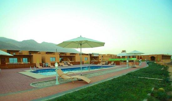Wadi Shab Resort : Pool Area