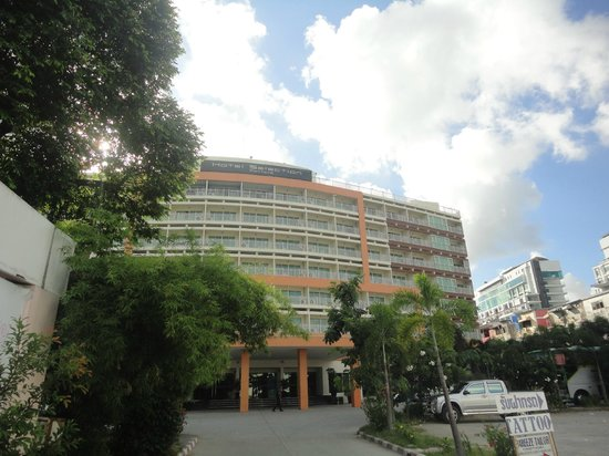 Hotel Selection Pattaya : out side view