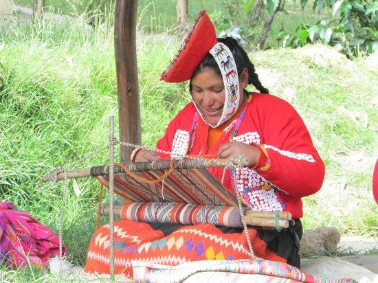 Awamaki: weaving in process