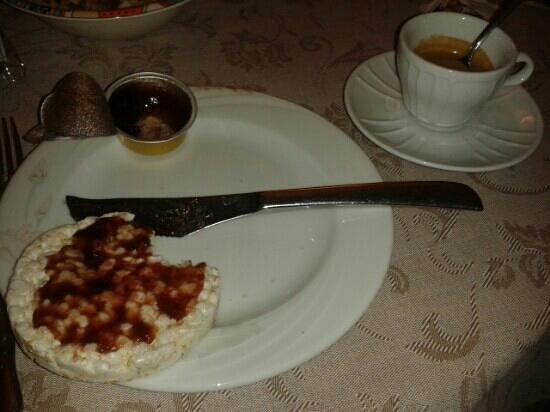 Hotel Pavone: gallette e caffè