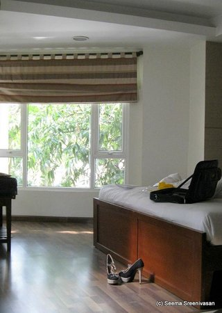 Brunton Heights Executive Suites: Bed
