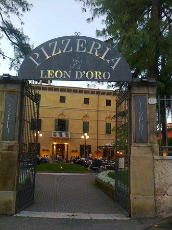 Pizzeria Leon d'Oro-Verona-4-5-2013-by Franz