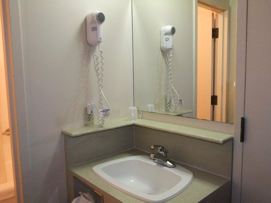 McIntosh Country Inn & Conference Centre: bagno