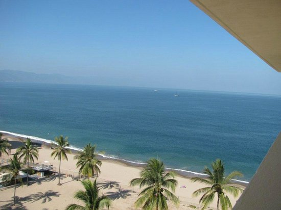 Secrets Vallarta Bay Puerto Vallarta: View from hallway top floor of preferred club building