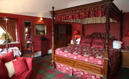 Dalmeny Park Country House Hotel: Four poster suite