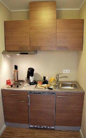 Main Station Hostel: Kitchenette im Apartment
