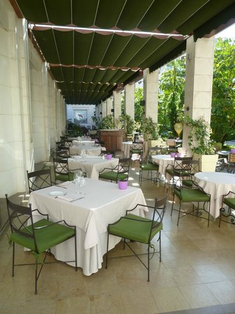 The Westin Valencia: Restaurant Innenhof