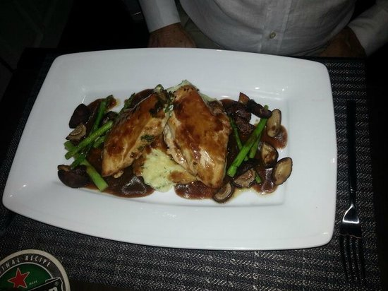 Murphy's Steakhouse : Braised Chicken