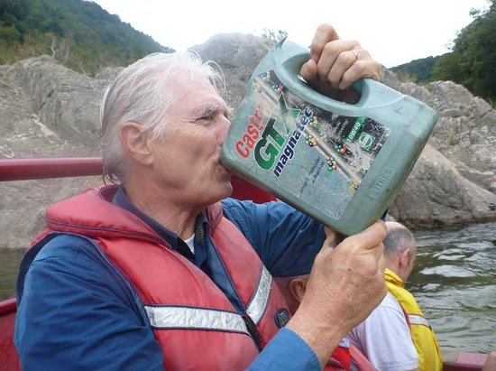 Buller Canyon Jet: drink from side river