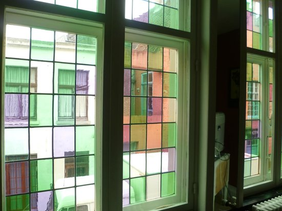 Next Door Bed & Breakfast: The windows were beautiful, a photo does not do them justice!
