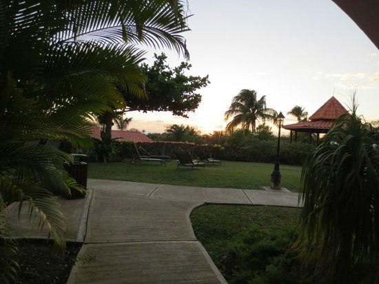 Sugar Cane Club Hotel & Spa: Sunset from our room