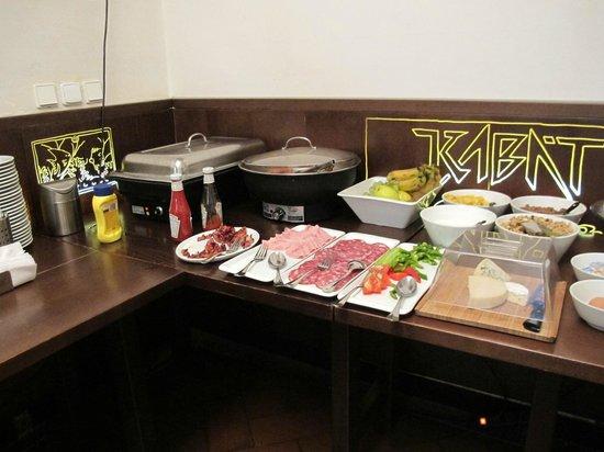Lokal Inn: 朝食