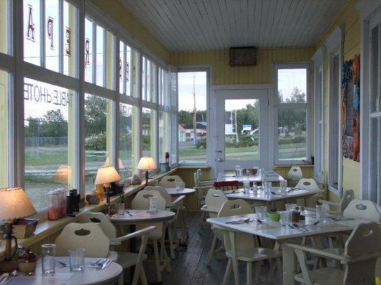 Cafe Chez Sam : la sala colazione/cena