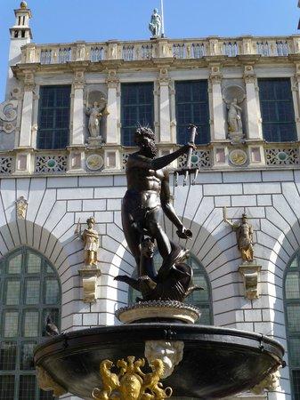 Novotel Gdansk Centrum: Neptune's Fountain, Long Street