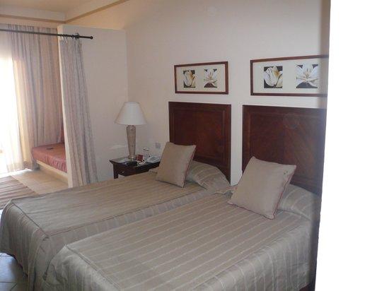 Jaz Almaza Beach Resort: my room
