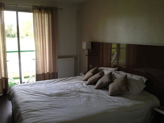 Hotel du Golf de Saint Laurent : chambre supérieure