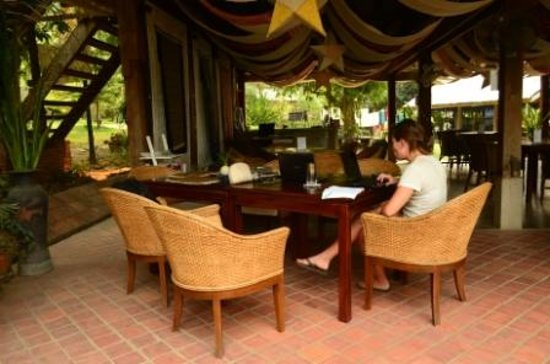 Ock Pop Tok Villa: Restaurant area, very pleasant