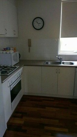 Apartments on Lygon - Melbourne : kitchen in 2 bd apartment