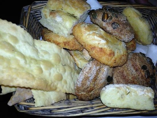 Cestino di pane foto di osteria di porta cicca milano - Osteria porta cicca milano ...