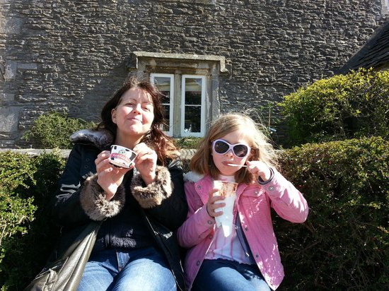 Marshfield Farm Ice Cream: Setting outside enjoying ice cream