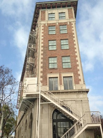 The Culver Hotel: Outside of Hotel