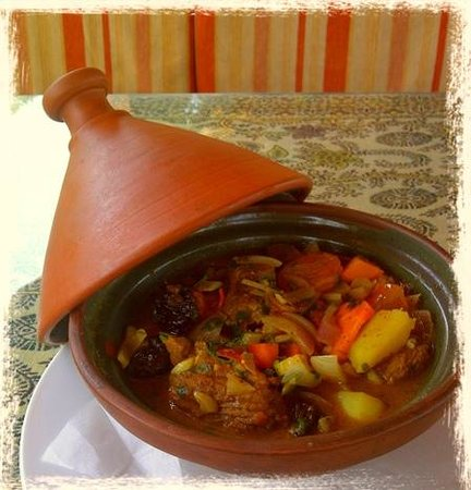Same Same But Different Restaurant : Beef tagine with apricots and prunes