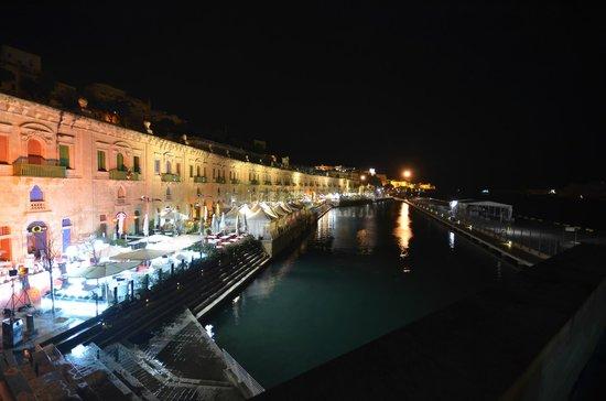 Q Bar & Restaurant Malta : VALLETTA WATERFRONT
