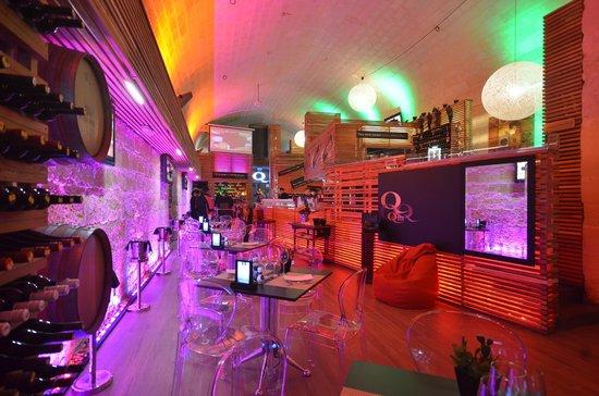 Q Bar & Restaurant Malta : INDOORS
