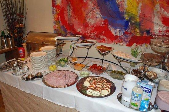 Hotel Papageno: Шведский стол (завтрак)