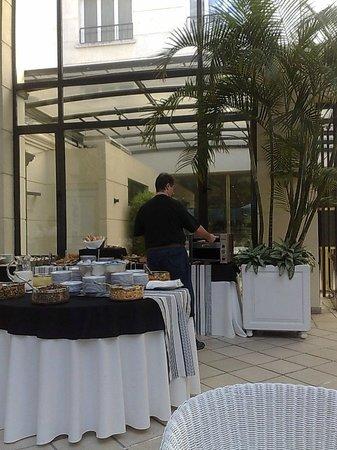 Loi Suites Recoleta: Área do café-da-manhã