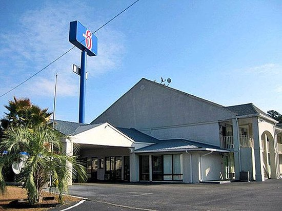 哈迪維爾 6 號汽車旅館張圖片