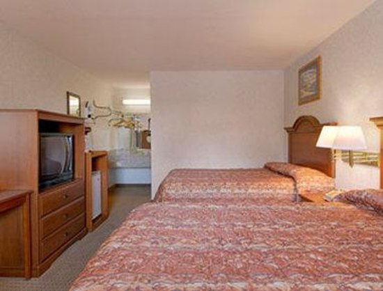 Super 8 Troy : Standard Two Double Bed Room