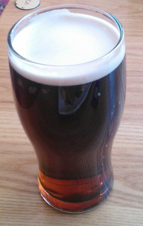 The Wye Bridge House: Yes. It WAS a full pint. Yes. I've had a couple of sips out of it. Wychwood Hobgoblin.